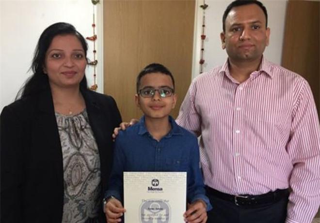 Thần đồng 11 tuổi muốn chế tạo robot biết phẫu thuật