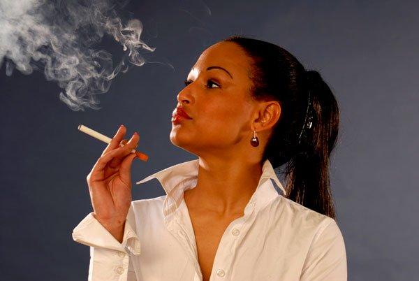 Thuốc lá điện tử vẫn gây hư phổi?