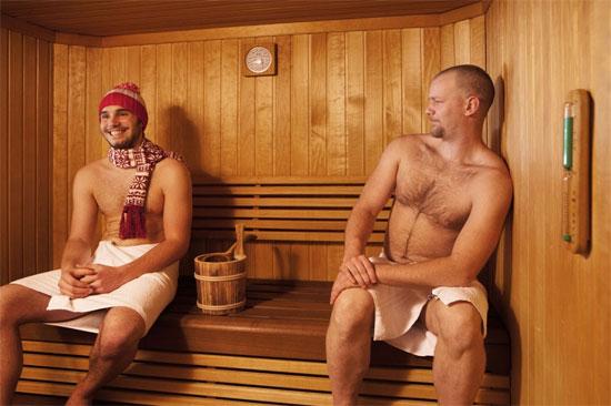 Tinh binh giảm vì tắm hơi?