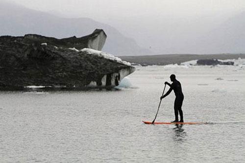 Tro bụi núi lửa nhuộm đen sông băng lớn nhất châu Âu