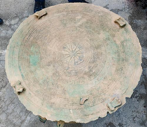 Trống đồng niên đại 2.000 năm được phát hiện ở Điện Biên