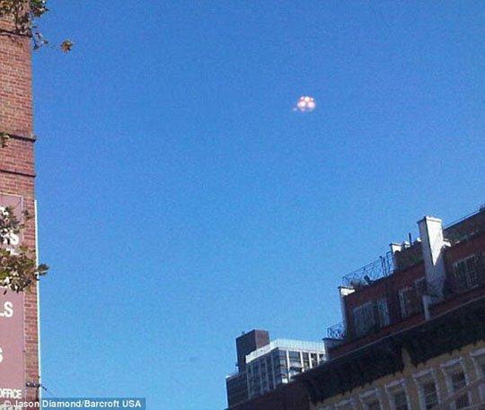 Vật thể lạ UFO náo động New York