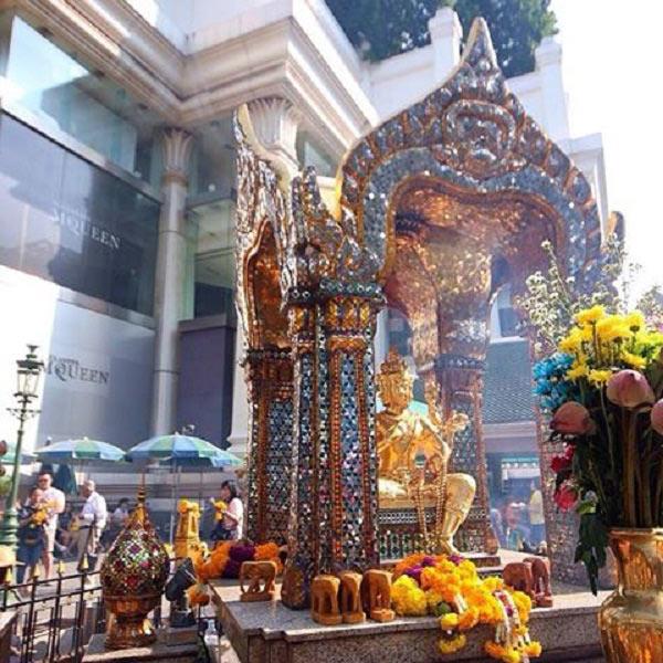 Vẻ bình yên của đền Erawan trước vụ nổ bom
