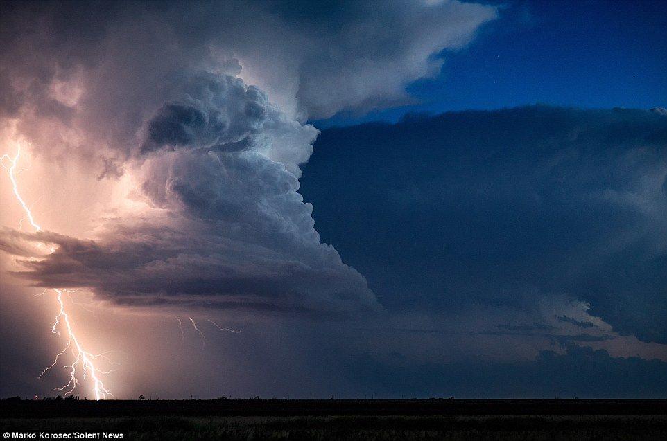Vẻ đẹp rợn người của những cơn bão tử thần