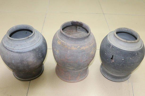 3 hũ sành cổ thời Trần - Lê được phát hiện ở khu vực Văn miếu Hà Tĩnh