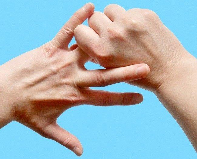 Bật mí lý do vì sao việc điều khiển ngón áp út luôn làm chúng ta mệt bở hơi tai