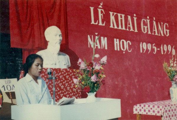 Chùm ảnh lễ khai giảng đáng nhớ của thế hệ 7x, 8x