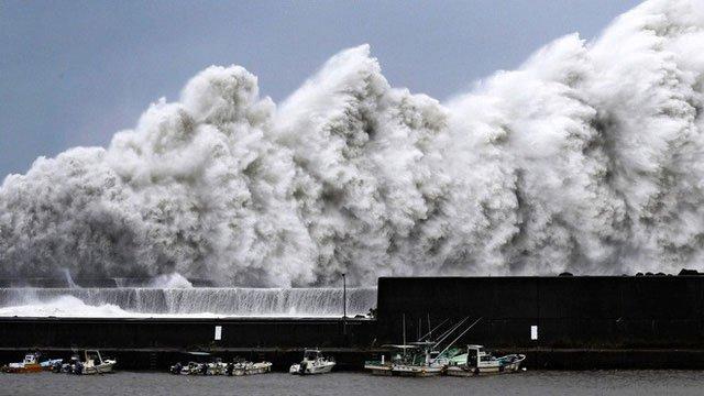 Chùm ảnh siêu bão Jebi lớn nhất trong 25 năm qua tàn phá Nhật Bản