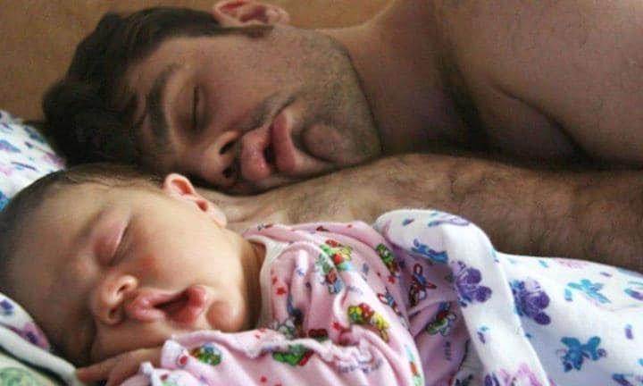 Chúng ta giống bố hay giống mẹ nhiều hơn?