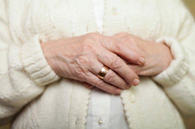 Dấu hiệu trên bàn tay tiết lộ bạn đang mắc bệnh gì