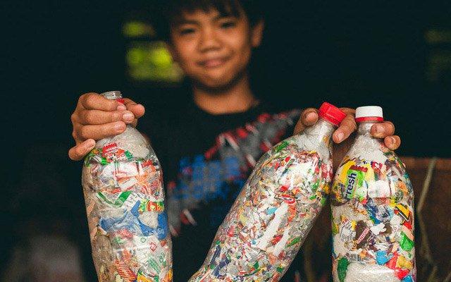 Dự án Ecobrick: tái chế nhựa làm gạch xây nhà, giải pháp hiệu quả bậc nhất thời điểm hiện tại