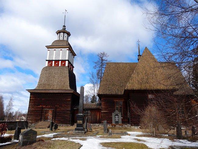 Hàng ngàn nữ trang thời trung cổ được phát hiện bên dưới các nhà thờ Scandinavia