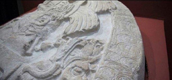 """Khám phá bí mật sau bàn thờ """"Game of Thrones"""" của người Maya"""