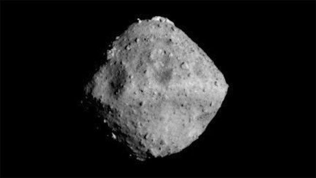 Không có dấu hiệu nước, sự sống trên tiểu hành tinh Ryugu?