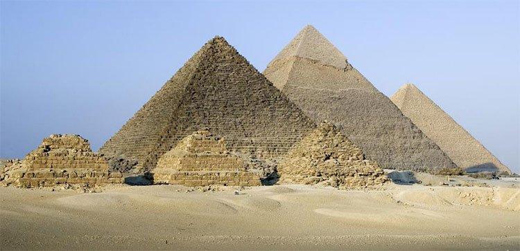 """Kim tự tháp Kheops hóa ra là """"bộ tổng"""" sóng vô tuyến"""