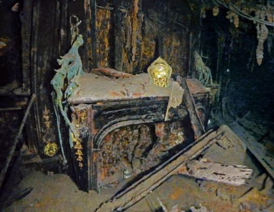 Những hình ảnh xác tàu Titanic ở độ sâu 4.000m dưới biển vừa được chụp