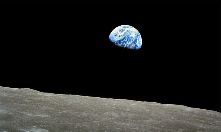 Những người may mắn được ngắm nhìn trái đất từ vũ trụ, họ nghĩ gì?