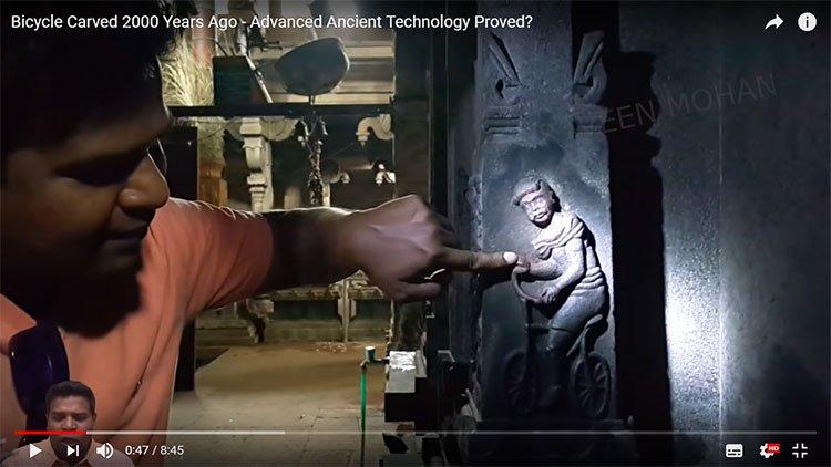Phát hiện hình ảnh gây sốc về chiếc xe đạp hiện đại trong ngôi đền 2.000 năm tuổi