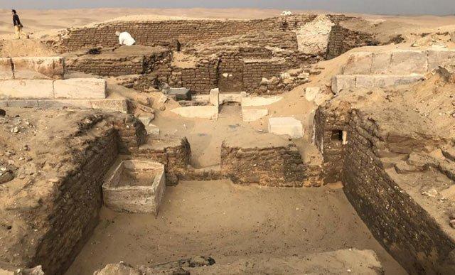 """Phát hiện lăng mộ """"người canh giữ bí mật"""" bí ẩn tại Ai Cập"""