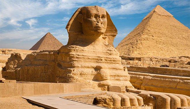 Phát hiện tượng nhân sư 4.500 năm tuổi dưới lòng đất Ai Cập