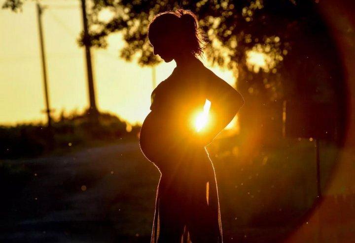 Phụ nữ mang thai thời nay dễ bị trầm cảm, lo âu hơn so với thế hệ ngày xưa