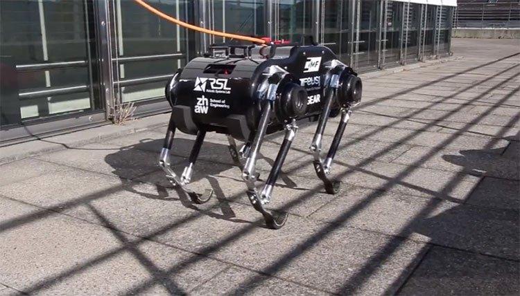 Robot nhảy khám phá không gian