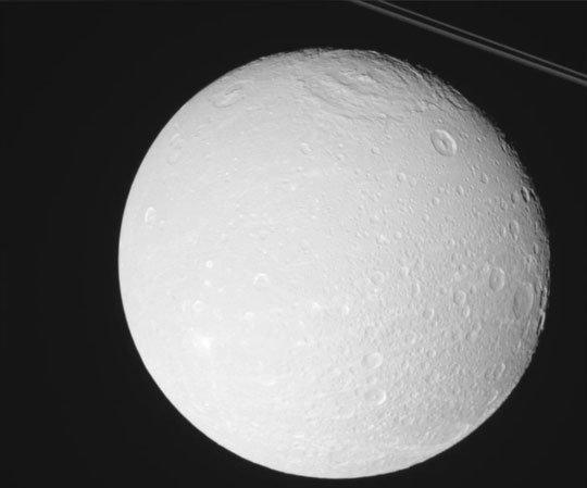 Thêm một mặt trăng sao Thổ sở hữu đại dương và cả... oxy
