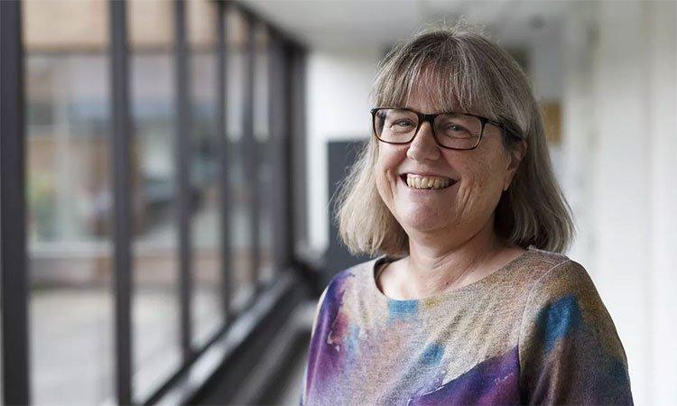 Thông tin hiếm hoi về nhà khoa học nữ đầu tiên giành giải Nobel Vật lý sau 55 năm