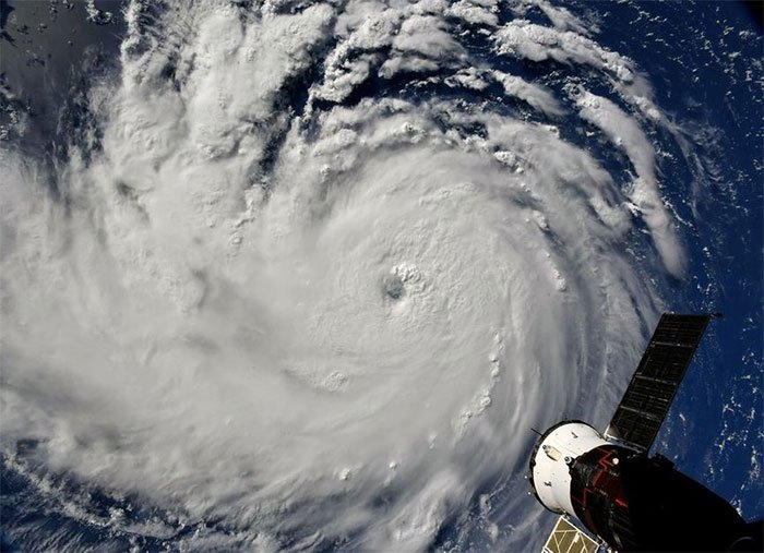 Từ trạm vũ trụ, phi hành gia vẫn rùng mình vì bão Florence