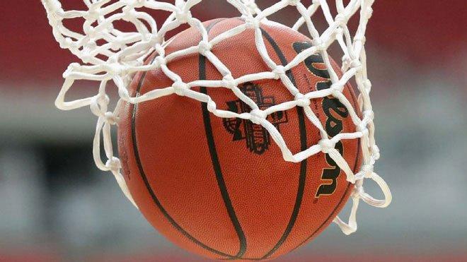 Vì sao bề mặt quả bóng rổ luôn có những chấm nhỏ li ti?