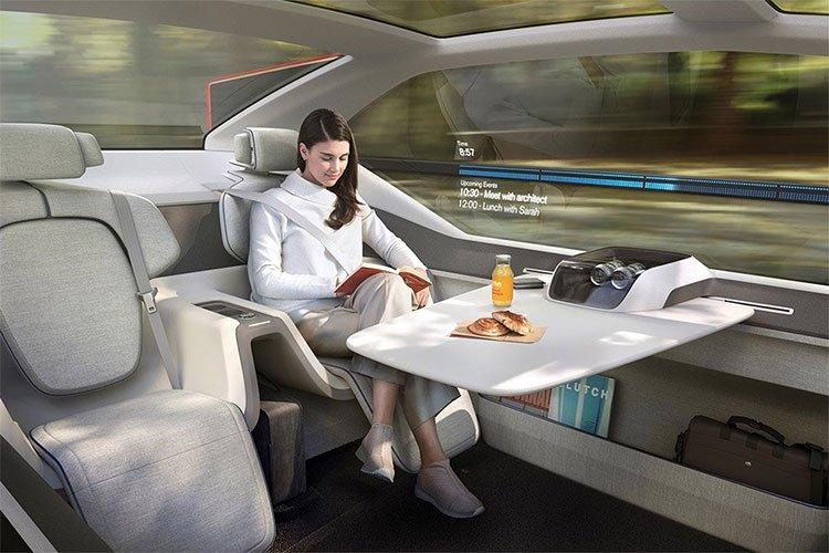Xe hơi tự lái biến hình thành giường ngủ và văn phòng mini