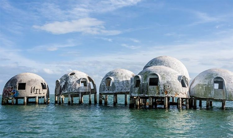 10 công trình kiến trúc bỏ hoang bị tự nhiên chiếm giữ