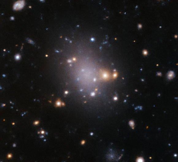 12 thiên hà ma quái là phiên bản thây ma của quái vật chứa Trái đất