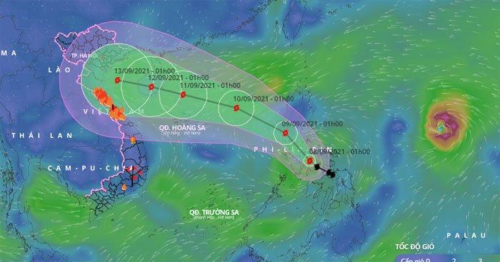2 cơn bão mạnh đang ở gần biển Đông
