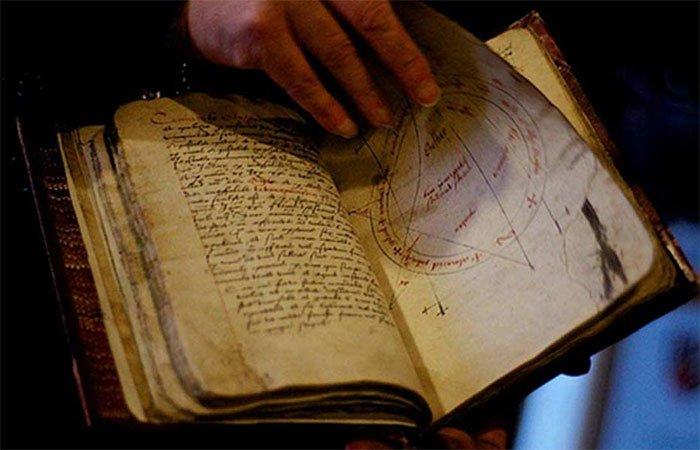 8 cuốn sách huyền bí thời Trung cổ càng tìm hiểu càng thấy đáng sợ