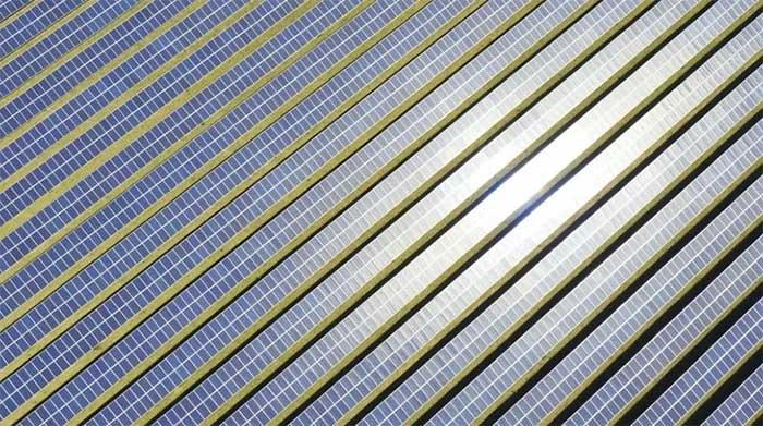 Ấn Độ xây dựng công viên năng lượng tái tạo lớn nhất thế giới