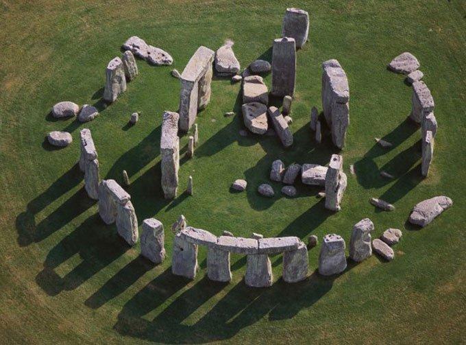 Ảnh chụp hé lộ kỹ thuật xây Stonehenge 5.000 năm trước