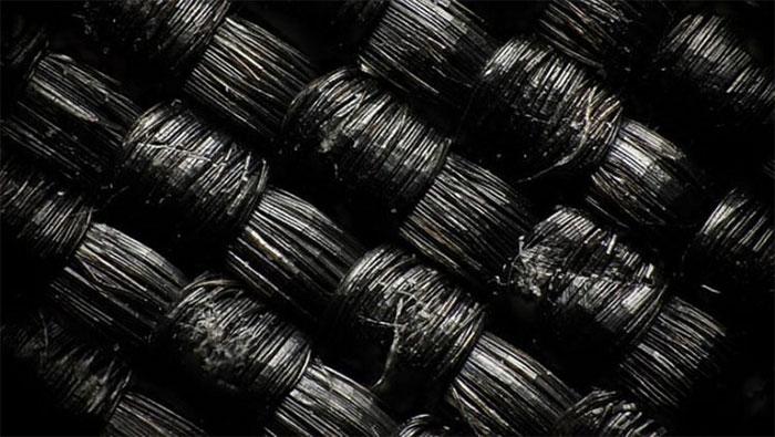 Áo phao bền nhất thế giới, sợi vải chắc gấp 15 lần thép