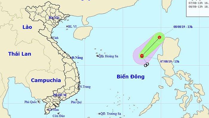 Áp thấp nhiệt đới hoành hành, Bình Thuận đến Cà Mau đề phòng lốc xoáy, sóng biển cao 4m