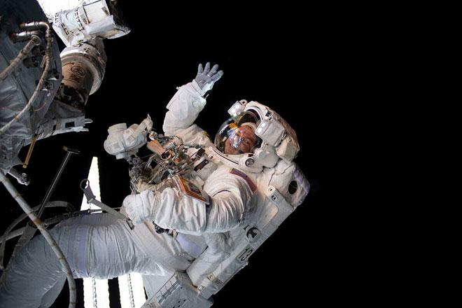 Bác sĩ đặc biệt trên Trạm vũ trụ quốc tế ISS