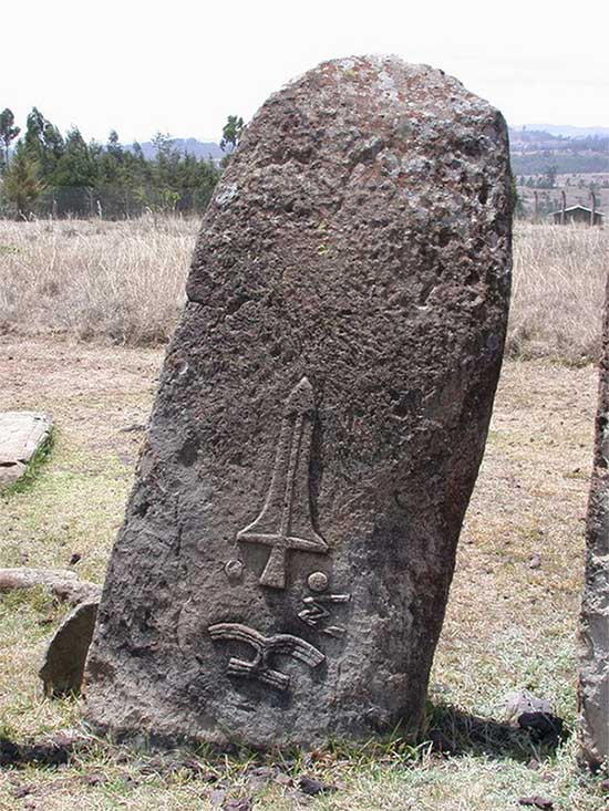 Bãi đá cổ huyền bí ở Châu Phi khiến các nhà khảo cổ học đau đầu vì không giải mã nổi