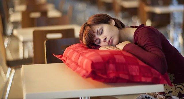 Ban ngày buồn ngủ có thể là dấu hiệu của một căn bệnh hiếm gặp