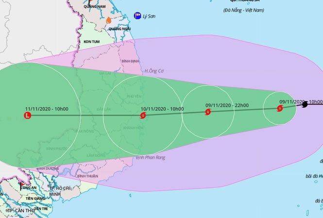 Bão số 12 gây mưa rất lớn ở miền Trung, bão số 13 đã lấp ló vào biển Đông