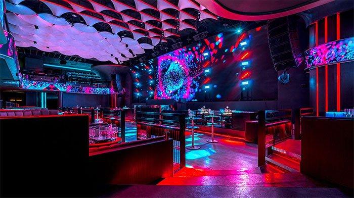 Bar, pub mở nhạc lớn có khiến chúng ta uống nhiều hơn?