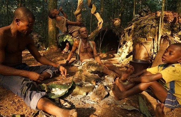Bên trong bộ lạc gần 50% trẻ em không thể sống quá 5 tuổi ở châu Phi