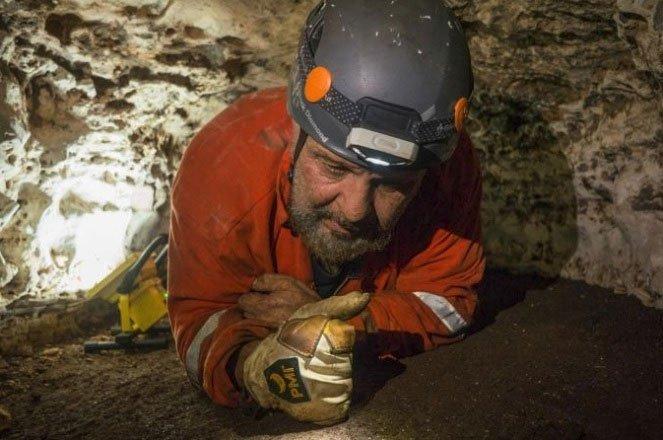 Bên trong hang động thần bí 1.000 năm tuổi của người Maya