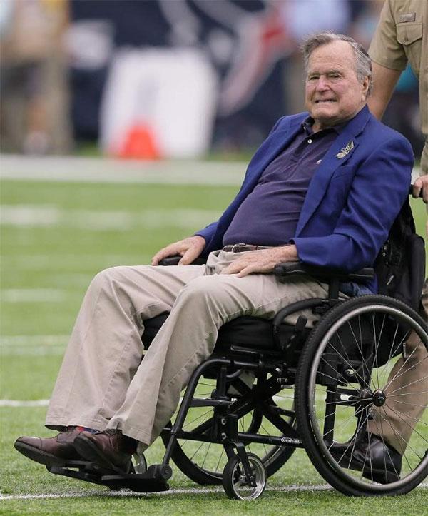 Bệnh Parkinson thể hiếm gặp của cựu Tổng thống Bush cha
