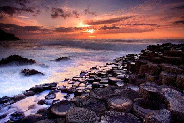 Bí ẩn cung đường biển được mệnh danh là dấu chân của người khổng lồ