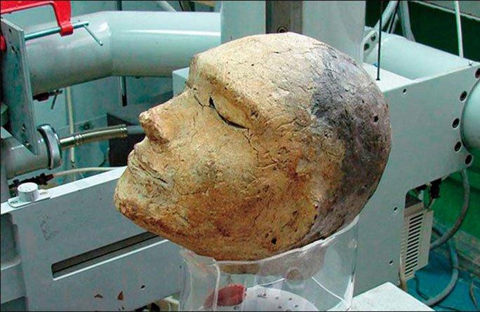 Bí ẩn hài cốt không giống người bên trong mặt nạ tử thần 2.100 tuổi