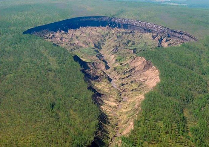 Bí ẩn hố tử thần tại Siberia thách thức giới khoa học gần 3 thập kỷ